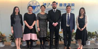 Photo of Associate Prof Iain Clacher and Ellen wang at the Zhejiang Management School visit with.